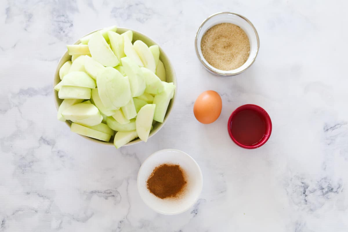 Apple pie filling ingredients.
