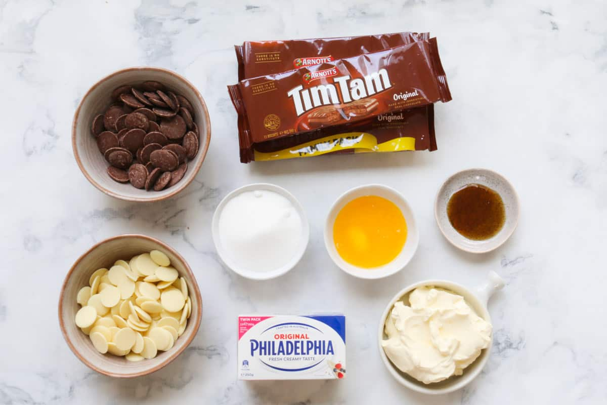 The ingredients for a Tim Tam cheesecake.